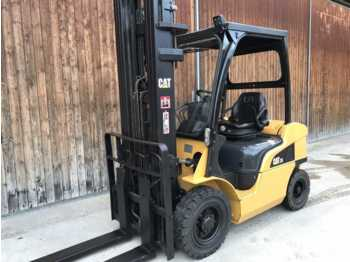 Villás targoncá CAT Lift Trucks DP 25 N